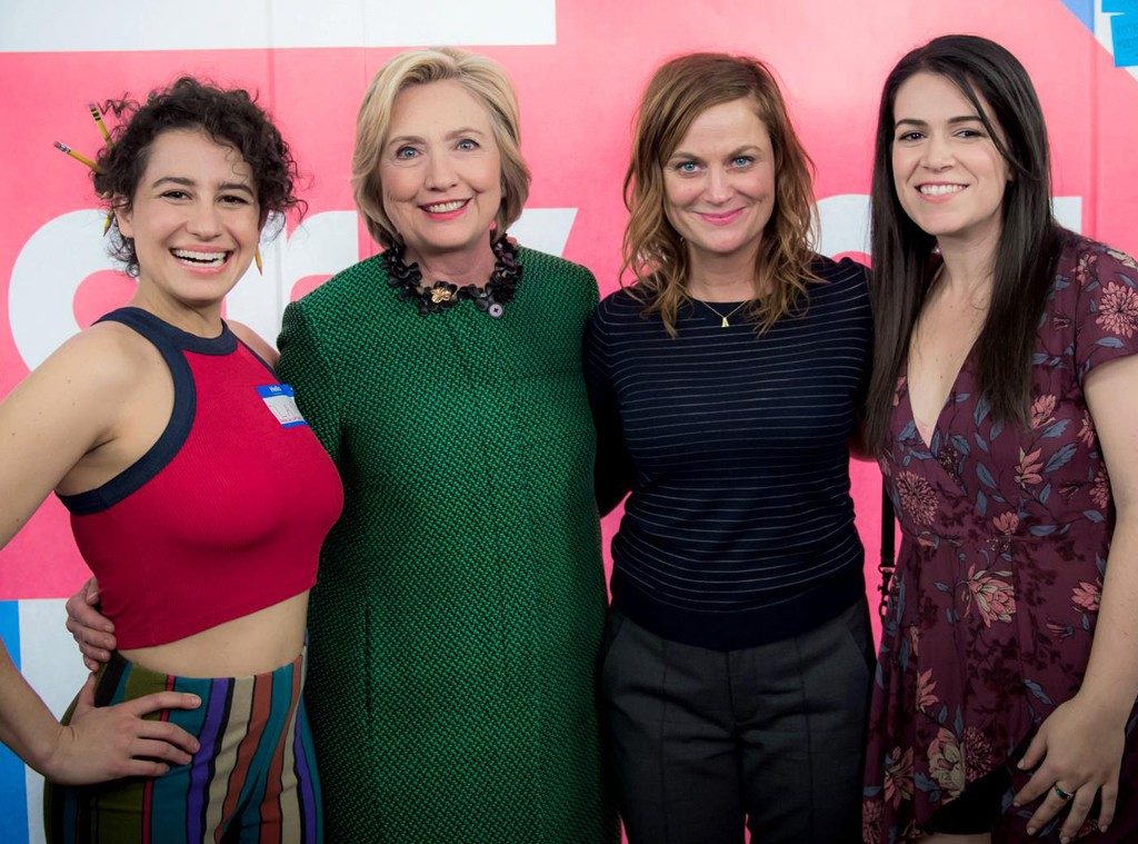 Hillary_Clinton_Poses_With_Drug_Taking_Llana_Glazer_And_Abbi_Jacobson_Of_Show_Broad_City