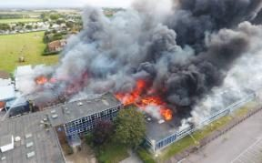 Explosions_And_Fire_At_The_Academy_In_Selsey_Britain_8_21_16-02