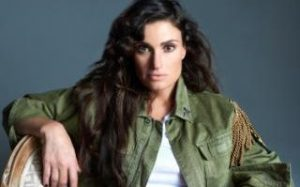 israeli_idina_menzel_is_star_of_american_hollywood_movie_frozen