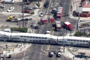 metrolink_train_smashes_into_tractor_trailer_in_sun_valley_9_6_16