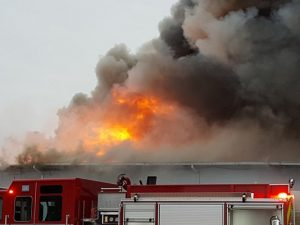 elba_new_york_onion_packaging_plant_in_three_alarm_fire